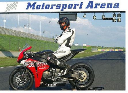 scumacher-superbike.jpg