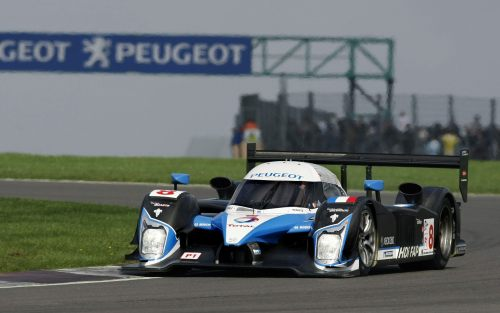 peugeot-908-HDi-FAP-silverstone-pictures[1]